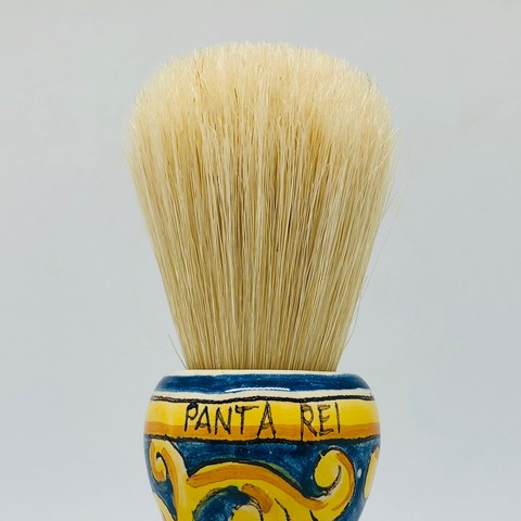 Characteristic and famous bristle, the most beloved by Italian barbers both for its durability over time and for its cost-effectiveness.  Ours is a bleached bristle, softer resulting pleasant to use and giving a relaxing massage and a high foaming capacity with any soap.